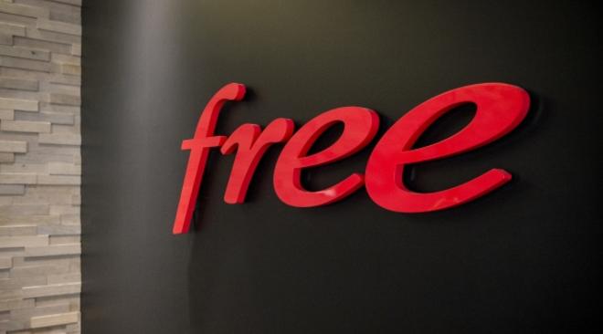 Des centaines de milliers d'abonnés Freebox privés de télé hier soir