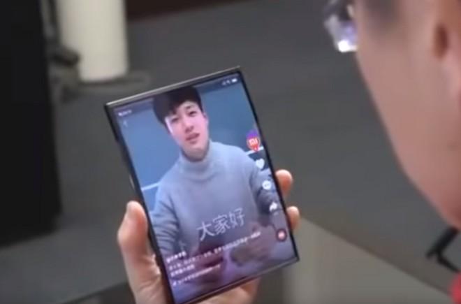 Xiaomi dévoile son smartphone pliable (et lui cherche un nom) — Flex