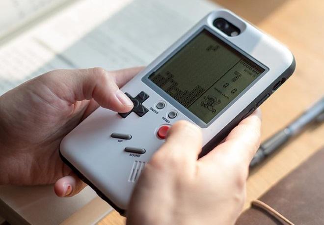 La coque pour iPhone qui intègre un Game Boy — Wanle