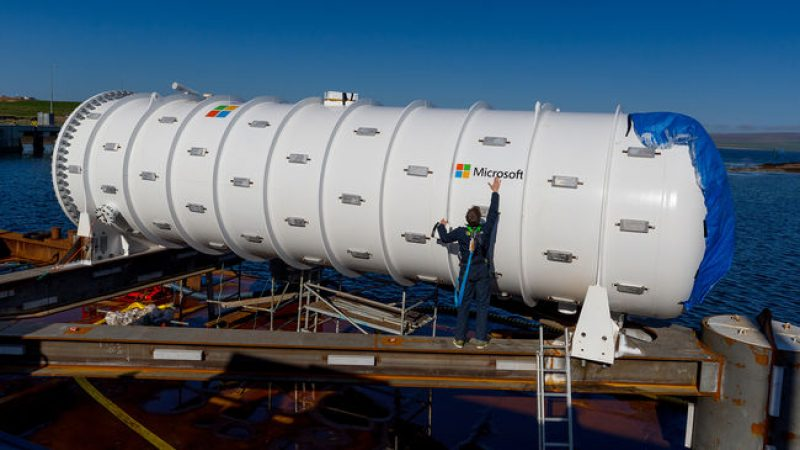 Microsoft et le français Naval Group immerge un data center au large de l'Écosse