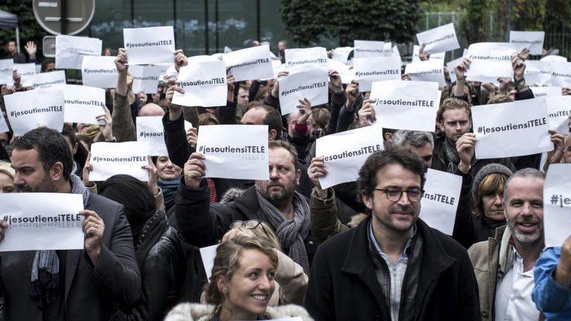 Avant le passage de i-Télé à CNews et l'annonce de la nouvelle grille, la chaîne doit faire face à l'arrivée controversée de Morandini et aux doutes des salariés grévistes sur l'avenir de la chaîne