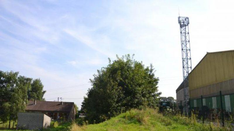 Free s'installe sur un pylône d'Orange et brouille les habitants de Longuenesse dans le Pas-de-Calais