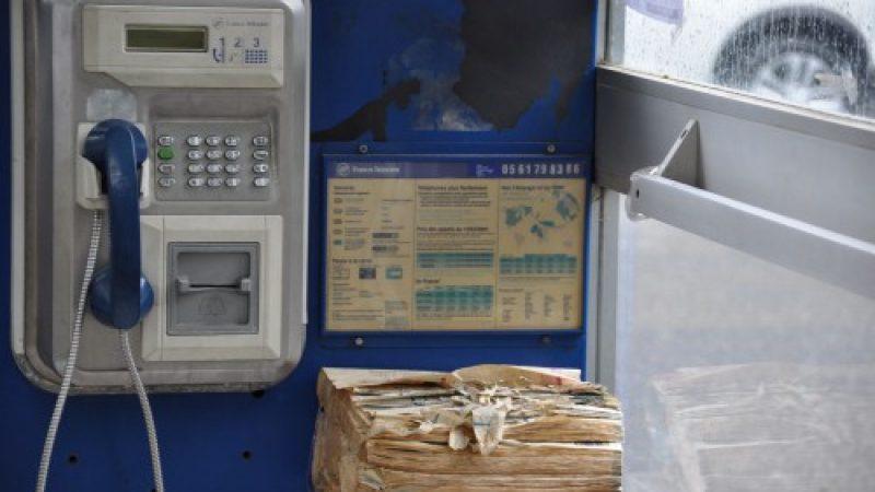 2017 : Les bottins et cabines téléphoniques disparaissent