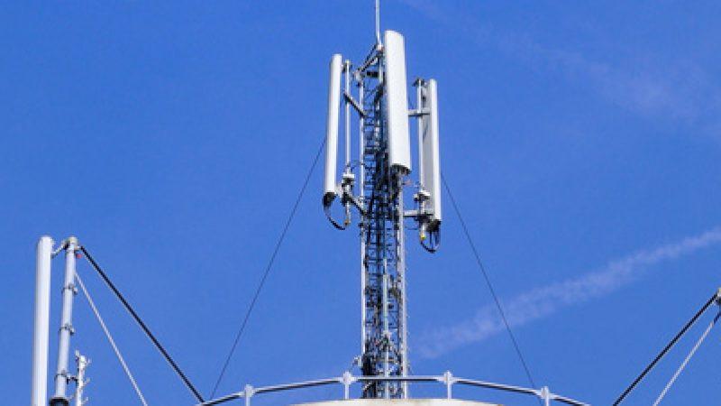 309 communes sont toujours en attente d'un réseau mobile, dont 297 attendent un pylône public coûtant plus de 100.000 euros