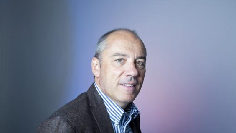 Stéphane Richard admet une préférence pour Bouygues pour le rachat de SFR