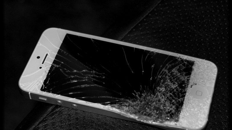 Bouygues Telecom teste un service de réparation rapide d'iPhone en boutique mais…