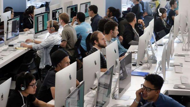 L'école 42 de Xavier Niel dans la Silicon Valley, quand la gratuité attise les doutes
