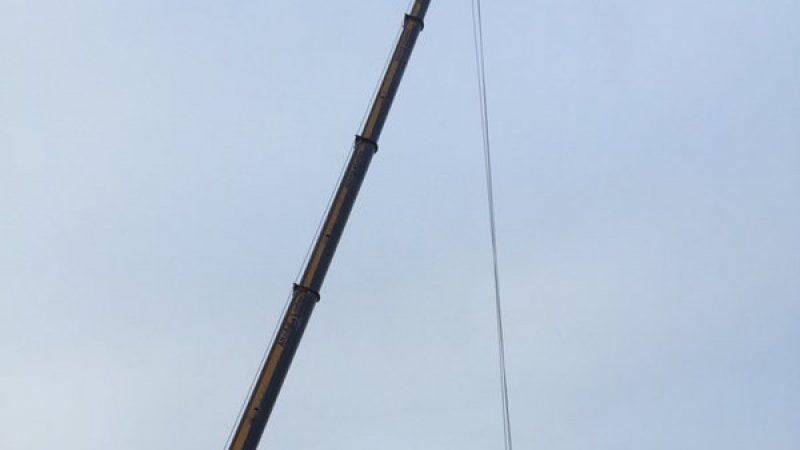 Free Mobile : découvrez en photos, les nombreuses étapes lors du montage d'un pylône-tube