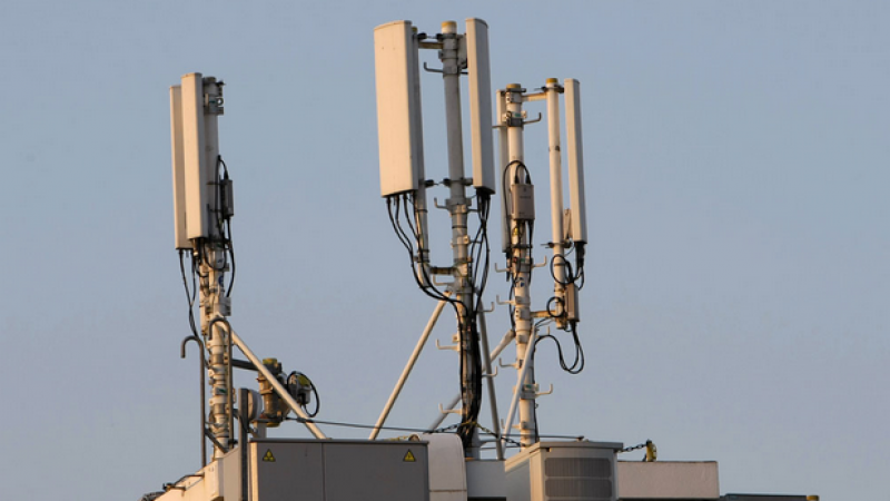 La polémique enfle autour d'une antenne Free Mobile