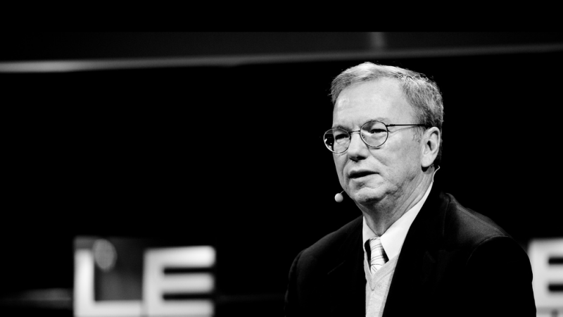 Google : le président d'Alphabet quitte ses fonctions