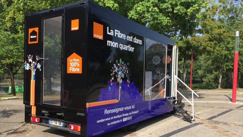 En images : les camions de la fibre d'Orange partent à la rencontre des français