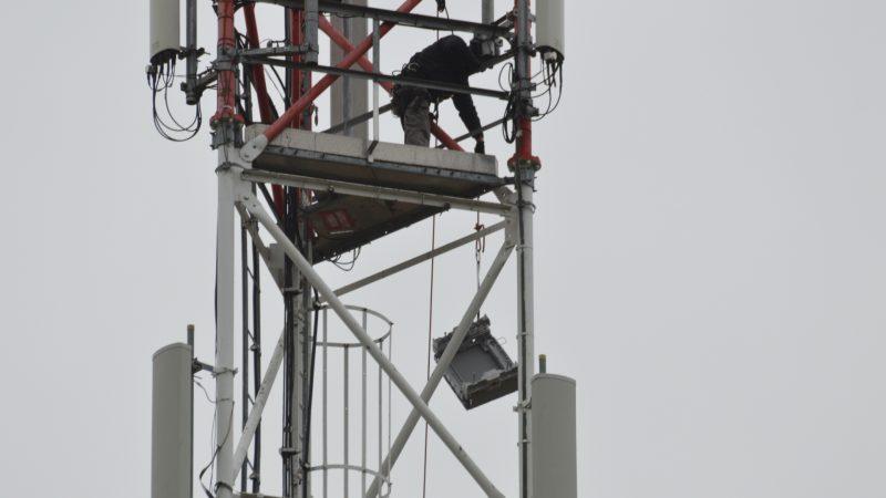 Reportage-photos sur l'upgrade en 4G d'un site Free Mobile sur pylône TDF