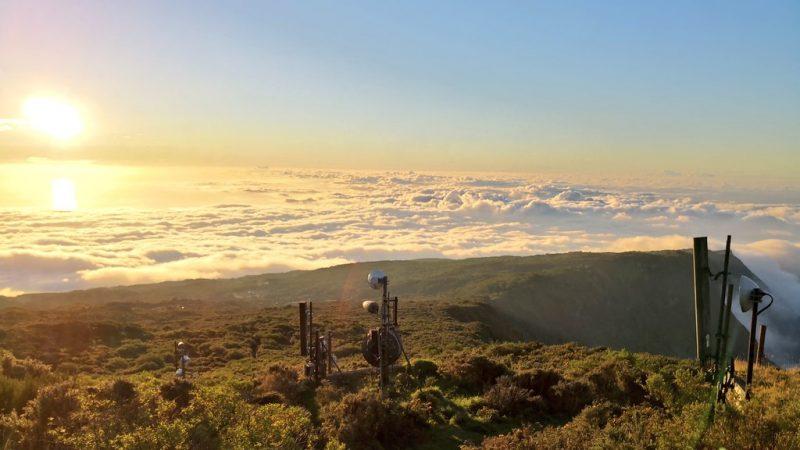 Des riverains anti-ondes s'opposent pour la première fois à l'implantation d'une antenne Free Mobile… à La Réunion