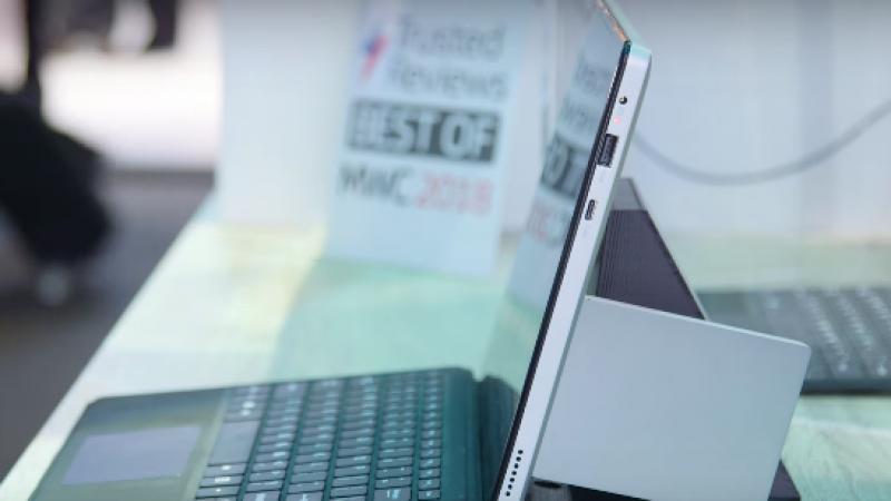Intel lève le voile sur le premier concept de PC portable compatible 5G