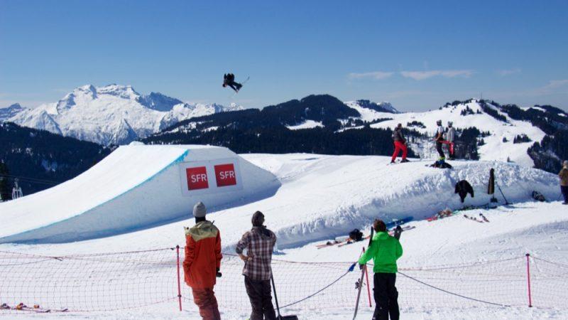 Stations de ski couvertes en 4G : SFR annonce faire jeu égal avec Bouygues Telecom