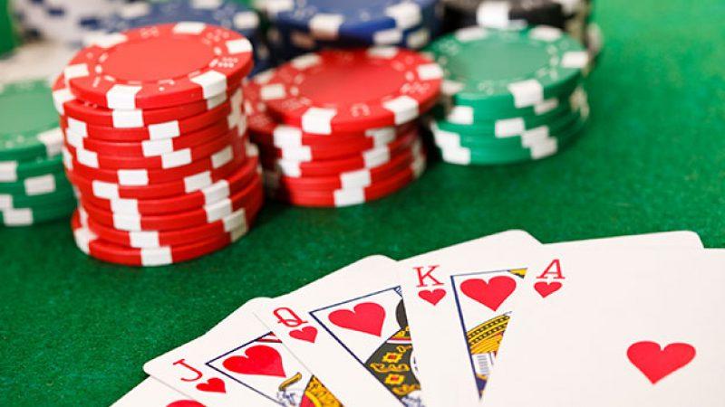 Déchiffrage d'iPhone : la partie de poker entre Apple et la justice américaine continue.