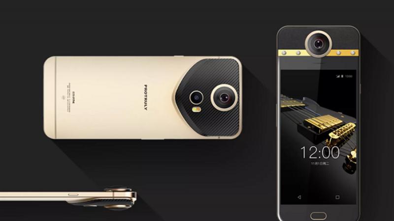 ProTruly Darling: Premier smartphone disposant d'une caméra 360°