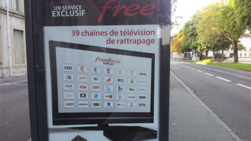 Free : Nouvelle campagne d'affichage sur les abribus