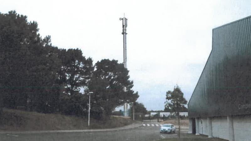 Des habitants de La Baule disent non à l'antenne Free Mobile pour protéger le cerveau de leurs enfants