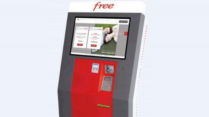 Free révolutionne la commercialisation des forfaits mobiles en lançant des bornes interactives