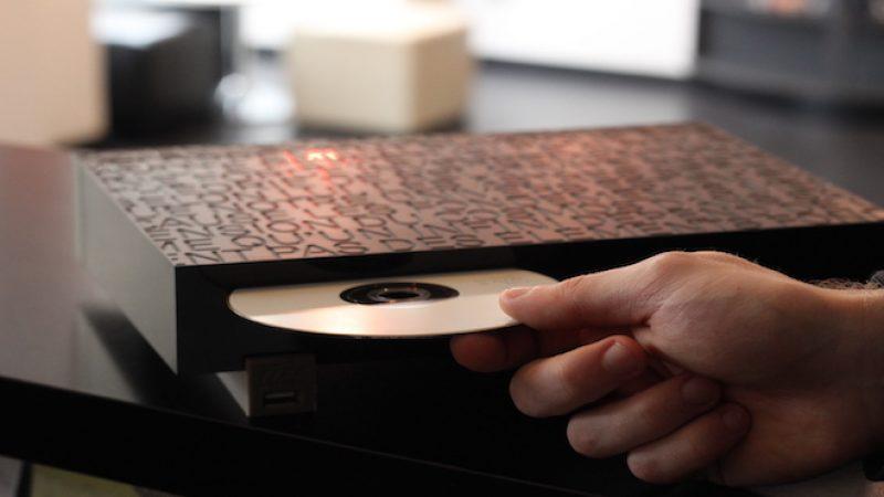 Pour l'achat d'un film en VOD, Orange envoie gratuitement le DVD à domicile