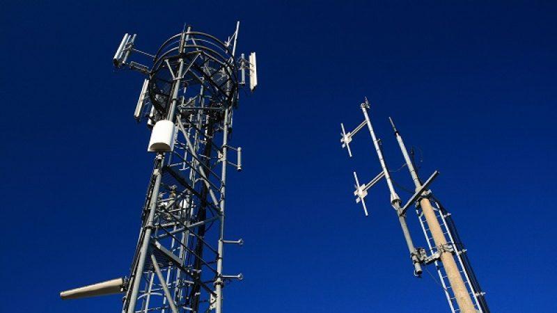 Les renseignements français vont pouvoir intercepter des données téléphoniques grâce aux antennes-relais 3G et 4G