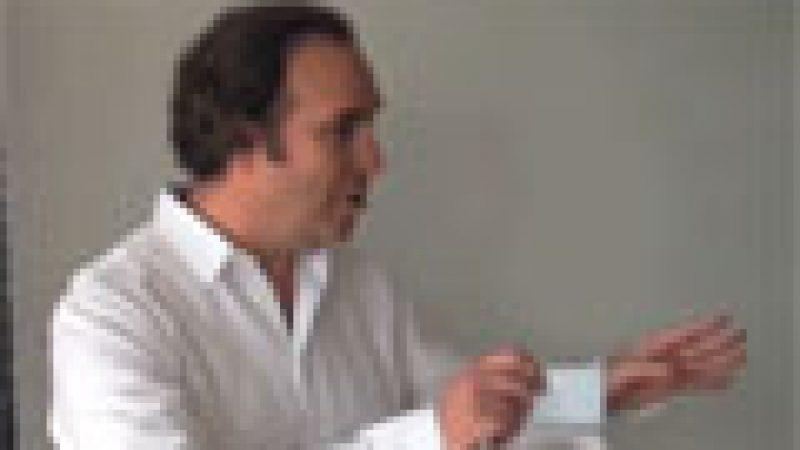 Clin d'œil : Xavier Niel fait visiter son bureau dans le nouveau siège de Free