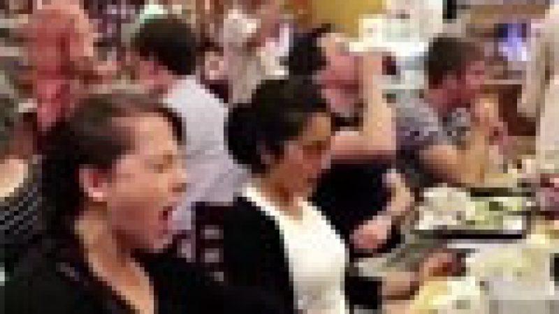 Zapping : Simulation massive d'orgasmes dans un restaurant…