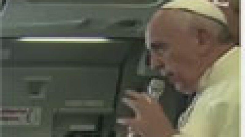 Zapping : Le pape opposé aux lapins chrétiens…