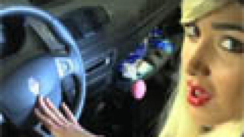 Zapping : la voiture série limitée Zahia, selon Groland…