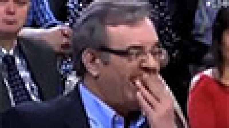 Zapping : Il perd son dentier en direct…