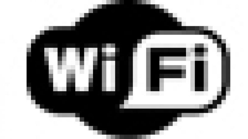 Manuel Valls se dit contre l'interdiction du wifi dans les lieux publics
