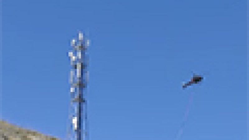 Reportage: l'installation d'un site multi-opérateurs par héliportage en montagne