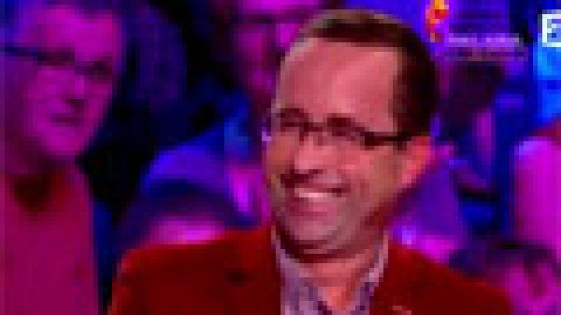 """Zapping : François Hollande dans """"Tout le monde veut prendre sa place""""… ou presque"""