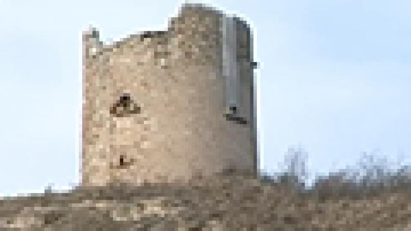 Reportage : l'implantation d'une antenne-relais sur une ancienne tour fait débat