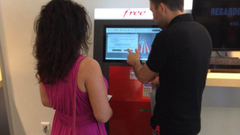 Free Mobile installe deux bornes interactives dans le Free Center de Lorient !