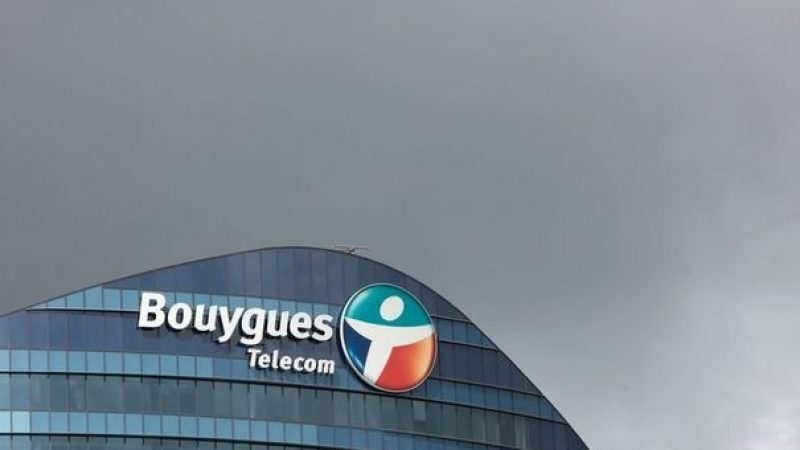 Manifestation au pied de Bouygues Télécom