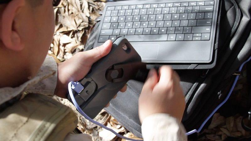 Une coque à manivelle pour recharger son smartphone