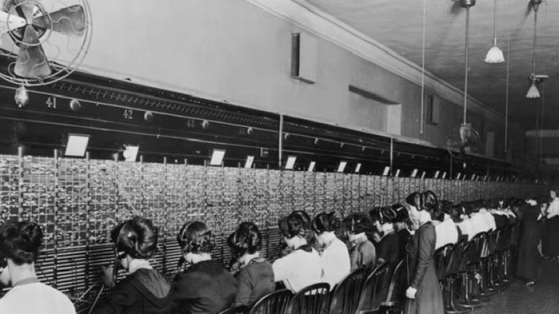 Les Demoiselles du Téléphone : leur histoire résumée dans une vidéo