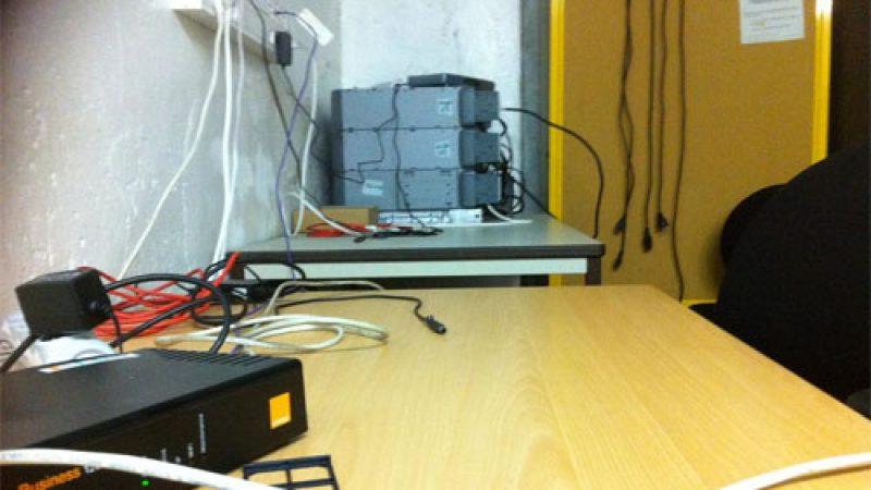 La photo de l'installation Free Mobile publiée par Les Echos a été prise en réalité dans … un local d'Orange