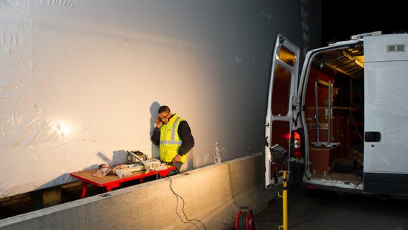 Rupture de fibre optique : le travail du technicien en image