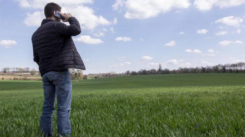 Couverture mobile des zones rurales : des élus réclament une refonte de la stratégie nationale