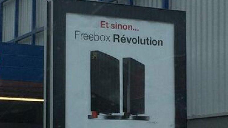 Free : une nouvelle affiche publicitaire pour la Freebox Révolution