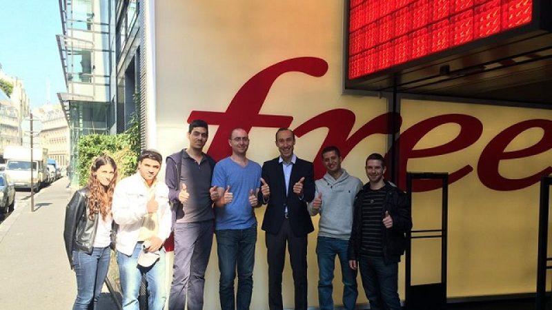Les vendeurs de Golan Télécom passent une journée dans un Free Center parisien