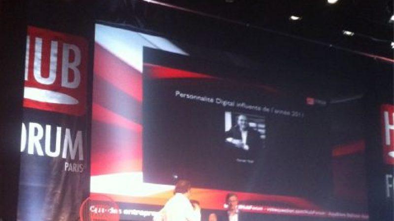 """Xavier Niel reçoit le prix de la """"Personnalité Digitale influente de l'année"""" aux Hub Awards"""