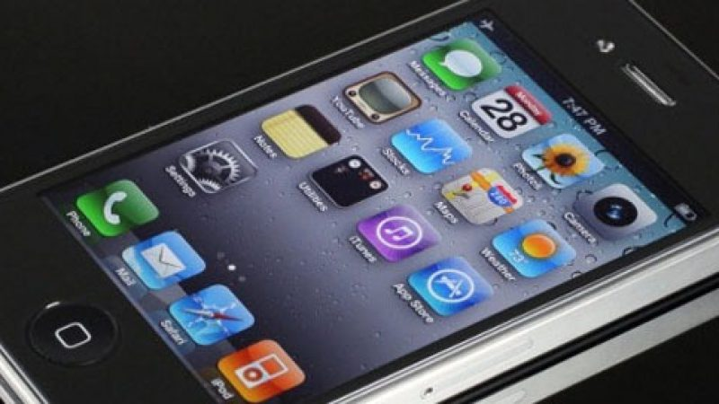 Free Mobile : l'assistance iPhone et BlackBerry (presque) disponible
