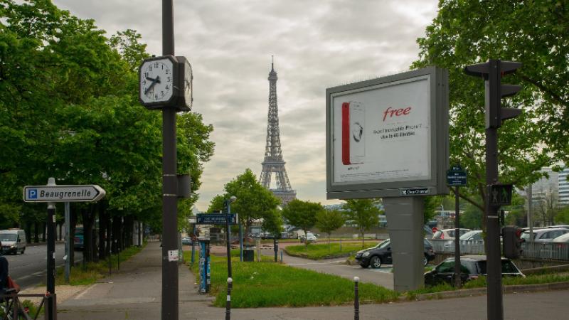Une balade dans Paris pour découvrir la nouvelle campagne Free Mobile