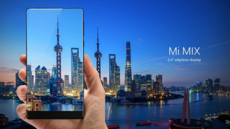 Philippe Starck crée un smartphone presque invisible pour Xiaomi