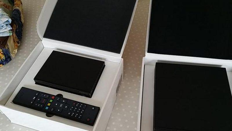 Découvrez les premières impressions et le déballage de la Freebox Mini 4K d'un Freenaute