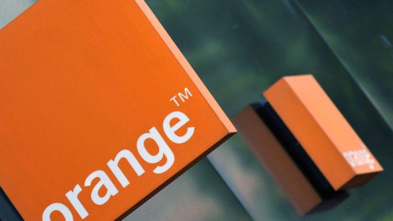 """Une """"note blanche"""" à l'Elysée considère qu'Orange se fait déborder par des concurrents plus audacieux en France"""